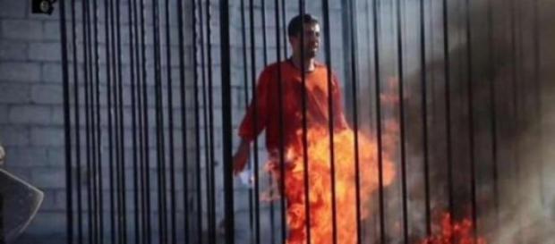 Imagem do vídeo divulgado pelo EI.