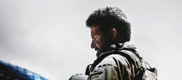 L'acteur Bradley Cooper interprète Chris Kyle.