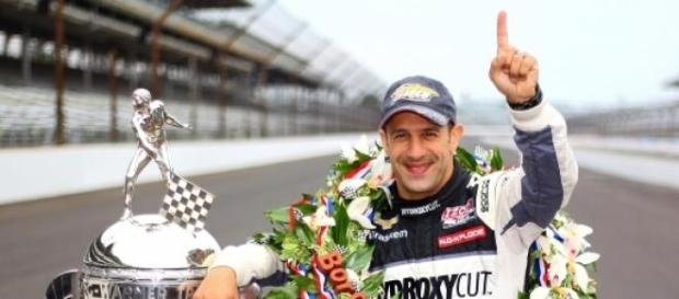 Tony Kanaan piloto brasileiro campeão IndyCar 2004