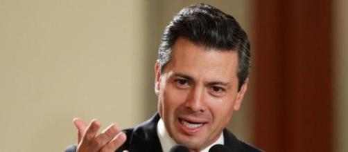 Enrique Peña Nieto doit changer sa loi avant juin.