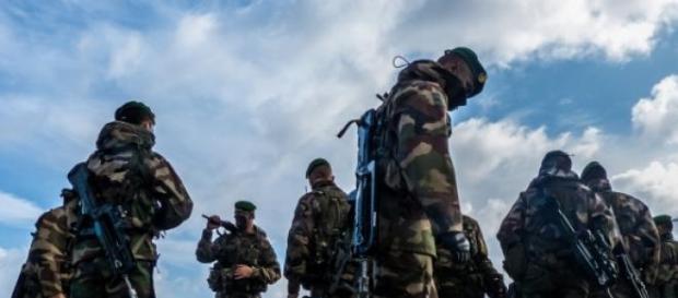 Agression au couteau sur des militaires français.
