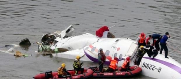 Avionul TransAsia Airways s-a prabusit