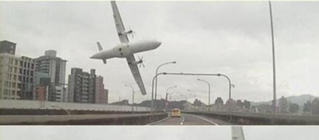 Numarul de decese din avionul prabusit este de 25