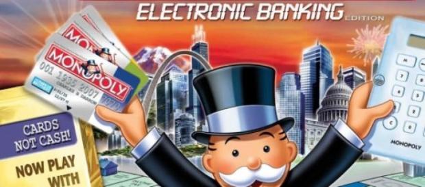 O jogo Monopólio tem dinheiro verdadeiro.