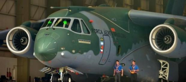 O KC-390 ainda pode vir a servir na FAP.