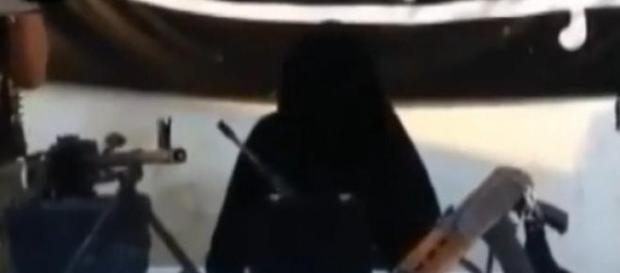 Dżihadystka z batalionu Al-Khansa przemawia