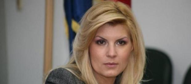 Elena Udrea, denuntata la DNA
