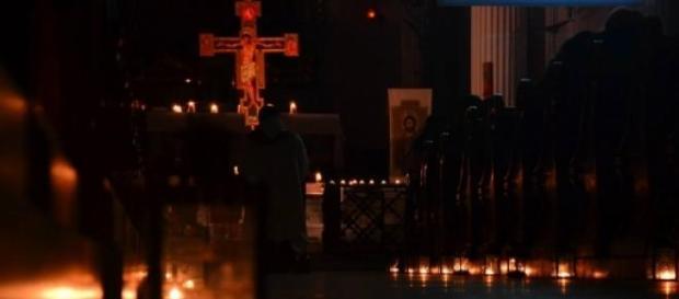 fot. Daniel Krakowiak - adoracja w kościele