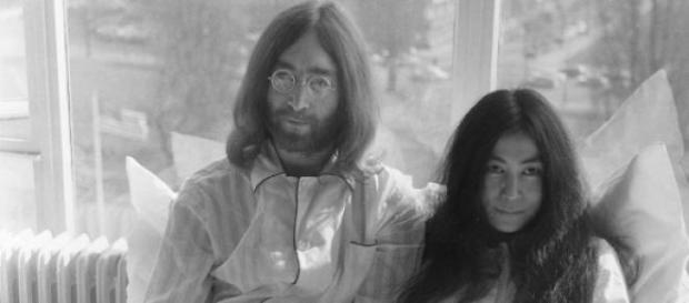Yoko Ono, viúva de John Lennon, lança dois discos
