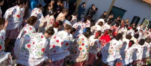 Desfile de Carnaval no domingo gordo