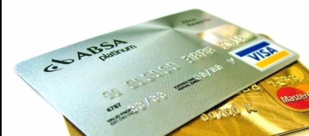 Danos nas finanças e dívida no cartão de crédito