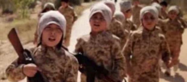 Sempre più bambini uccisi dall'Isis.