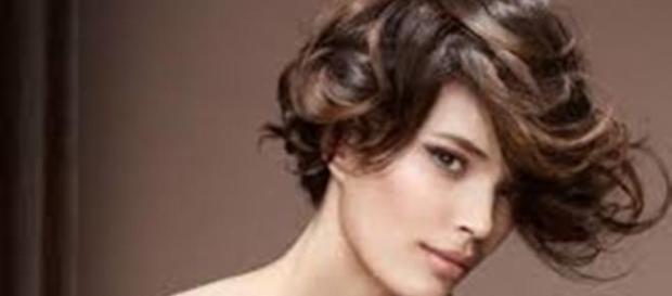 Tagli capelli corti e lunghi  ecco i tagli più alla moda per capelli ... 64376995f53e