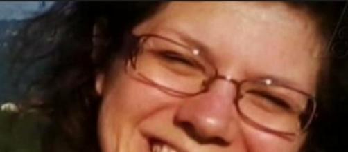 Nella foto si vede sorridere Elena Ceste