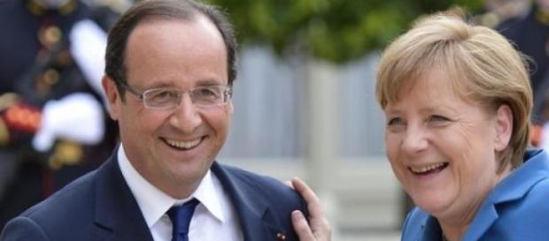 Merkel e Hollande cercano soluzioni per l'Ucraina