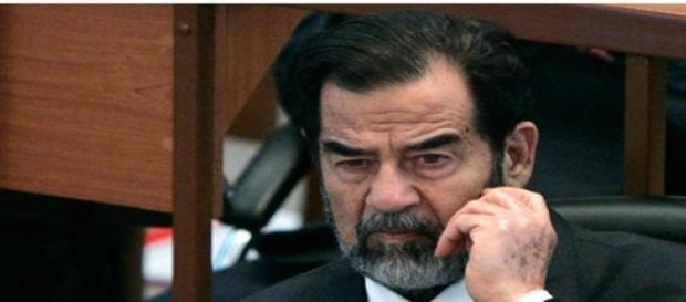Saddam Hussein a fost executat prin spanzurare.