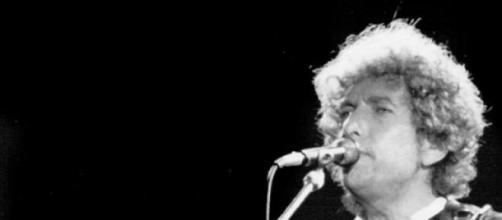 "Dylan diz-se vítima de ""tratamento diferenciado"""