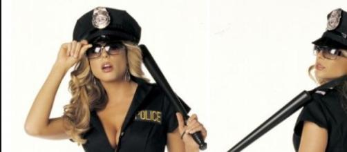 Erano vestite da sexy poliziotte le adescatrici.