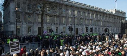 Muslims protesting in London
