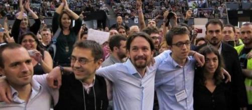 Pablo Iglesias y Podemos respaldan a J.C. Monedero