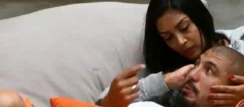 Amanda quer seduzir e reconquistar Fernando