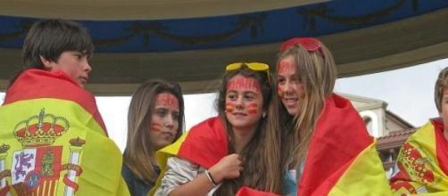 Jóvenes españoles exiliados en otros países.