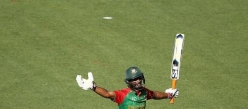 Mahmudullah celebrates his century