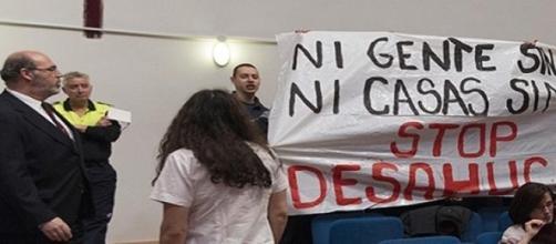 Pancarta por la que han sido detenidos 18 jóvenes