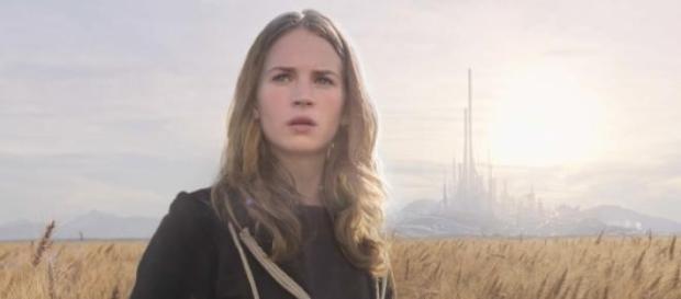 Britt Robertson protagoniza A Terra do Amanhã