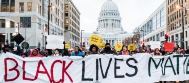 Des centaines de manifestants étaient à Madison.