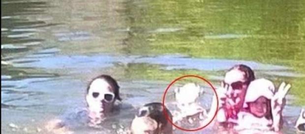 Australia: fantasma di una ragazzina in foto