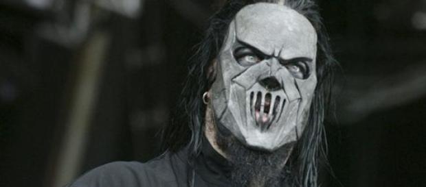 Guitarrista do Slipknot briga e é esfaqueado