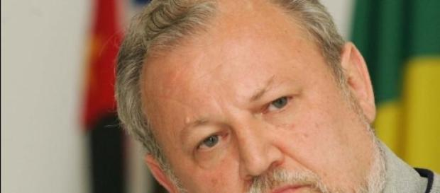 João Pedro Stédile é contra o impeachment