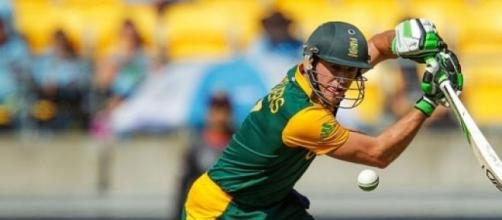 AB de Villiers hits for South Africa's victory