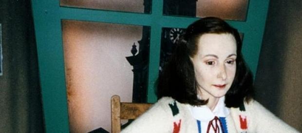 Figura de Ana Frank en Madame Tussauds Amsterdam