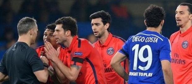 L'arbitre sourd aux arguments de Thiago Silva