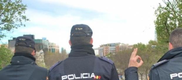 policias nacionales en imagen de archivo