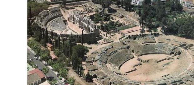 politicos van a utilizar el anfiteatro para padel