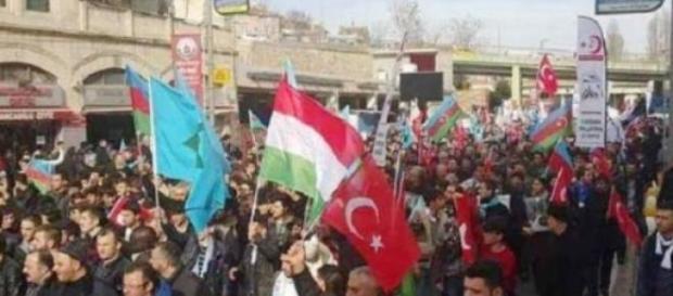 sute de turci cer autonomia Tinutului Secuiesc