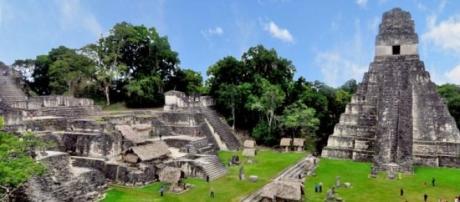 Plaza de Tikal, aquí los mayas se reunían