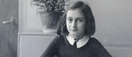 Anne Frank morreu em Março de 1945.