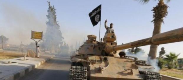 Un carro armato dell'Isis