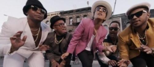"""Bruno Mars en """"Uptown funk"""""""