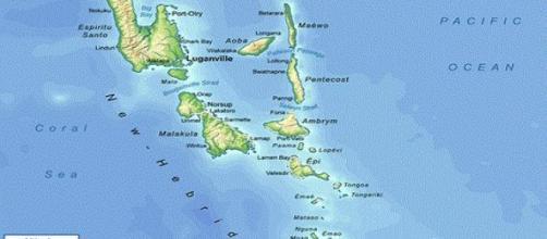 Existem relatos de 'total devastação' em Port Vila