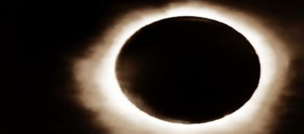 Zjawisko zaćmienia Słońca. fot.J.Lampert