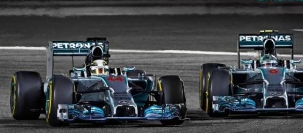 Hamilton si Rosberg au dominat cursa din Australia