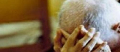 Anziano di ottantadue anni massacrato di botte
