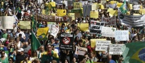 Brasile, corruzione: proteste per la Petrobras