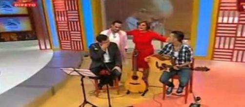 Jota chora em directo ao cantar para Nonô.