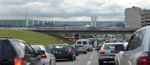Veículos fretados podem reduzir engarrafamentos